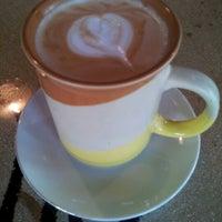 Foto scattata a Double Trouble Caffeine & Cocktails da Karen L. il 2/2/2013