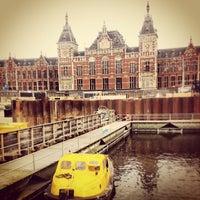 Photo taken at Amsterdam Central Railway Station by geheimtip ʞ. on 3/17/2013