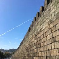 Photo taken at Muralhas da Cidade de Guimarães by geheimtip ʞ. on 9/27/2017