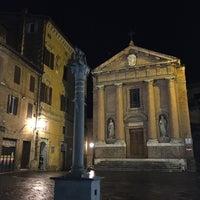 Photo taken at Piazza Tolomei by geheimtip ʞ. on 10/13/2016