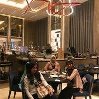 Снимок сделан в Sheraton Grand Jakarta Gandaria City Hotel пользователем Inez W. 7/17/2018