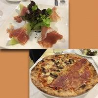 Foto tomada en Sireena Italian Restaurant por Ying 789 P. el 9/23/2016