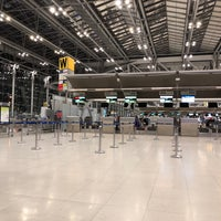 """Photo taken at Check-In Row """"W"""" by Ploy◡̈ on 6/30/2018"""