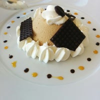 Photo taken at Restaurant l'Ocean by Francis D. on 8/13/2014