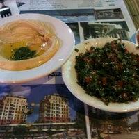 11/18/2012 tarihinde Oktay I.ziyaretçi tarafından Falafel House'de çekilen fotoğraf
