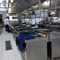 Photo taken at Okan Universitesi Gastronomi Bölümü Mutfak Sanatları Merkezi by Ozdemir I. on 12/10/2014