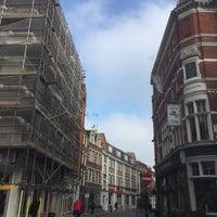 Photo taken at Marylebone by Borna M. on 3/27/2017