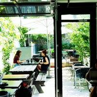7/17/2012 tarihinde Amanda C.ziyaretçi tarafından Café Pamenar'de çekilen fotoğraf