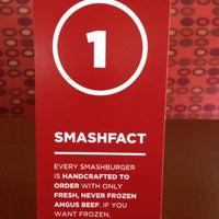 Снимок сделан в Smashburger пользователем Edward S. 5/24/2013