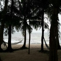 Photo taken at Bayview Beach Resort by Boy_ T. on 12/13/2014