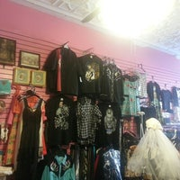 Photo taken at Velvet Elvis by Kristina W. on 10/18/2013