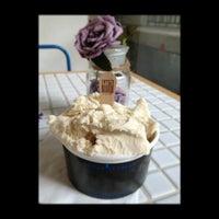Foto tirada no(a) LIN Artisan Ice Cream por Patrick I. em 8/28/2013