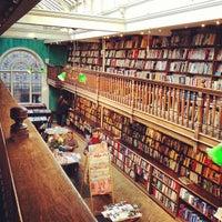 Foto tomada en Daunt Books por Michelle P. el 4/7/2013