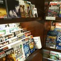 Photo taken at Barnes & Noble by Jim Y. on 11/16/2014