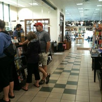 Photo taken at Barnes & Noble by Jim Y. on 9/15/2013