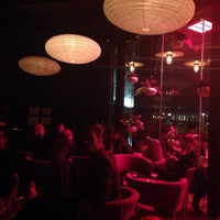 Photo taken at The Living Room at The Standard, New York by 쪼이 리. on 11/10/2013