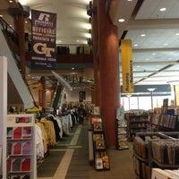 11/18/2012にChad M.がGeorgia Tech Bookstoreで撮った写真