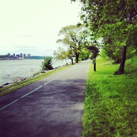 Photo prise au Riverside Park par Cindy T. le5/14/2013