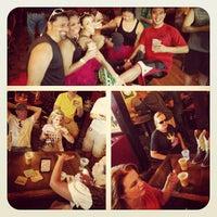 Foto tomada en McElroy's Pub por Lorin F. el 9/22/2012
