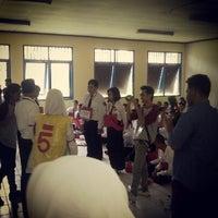 Photo taken at Fakultas Teknologi Informasi dan Komunikasi Universitas Mulawarman by Baguz A. on 9/4/2013