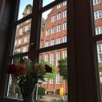 Foto diambil di Kleinhuis' Café & Weinstube oleh Switter 67 A. pada 11/3/2016