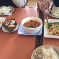 Photo taken at ร้านอาหารปราสาททอง by Miwtatami on 8/9/2017