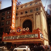 Foto tirada no(a) The Chicago Theatre por A Ross em 5/18/2013