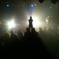 Foto scattata a Fitzgerald's da crystal c. il 12/15/2012