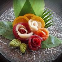 Photo prise au Yuri Japanese Restaurant par Donald W. le5/11/2013