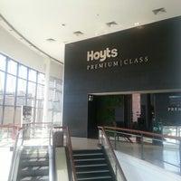 Foto tomada en Hoyts Premium Class por Cristian R. el 11/6/2012