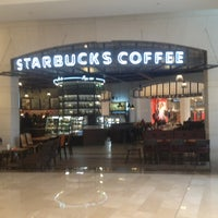 2/27/2013 tarihinde Philippe M.ziyaretçi tarafından Starbucks'de çekilen fotoğraf