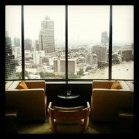 Foto tirada no(a) Three Sixty por Top K. em 10/21/2012