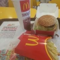 Foto tomada en McDonald's por Fede G. el 11/15/2013
