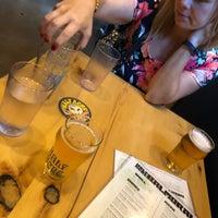 7/8/2018 tarihinde Harrisonziyaretçi tarafından Half Acre Beer Company Balmoral Tap Room & Barden'de çekilen fotoğraf