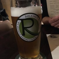 Foto diambil di Radniční restaurace a Pivovar oleh Jakub K. pada 10/28/2017