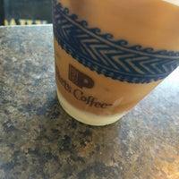 Photo taken at Peet's Coffee & Tea by @SDWIFEY on 8/12/2016