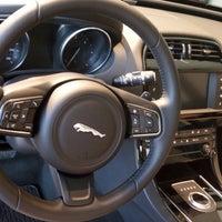 Снимок сделан в Автосалон Inchcape. Официальный дилер Jaguar. пользователем Владимир 10/8/2017