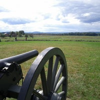 Photo taken at Gettysburg National Military Park Museum and Visitor Center by justen f. on 9/29/2012