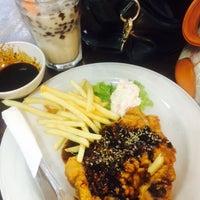 Photo taken at Penang Corner by ᎯᏁᎩᎦ ᖇ. on 7/12/2015