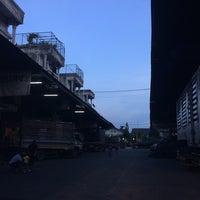 Photo taken at ศูนย์รวมขนส่ง2 พุทธมณฑลสาย 2 by ekaphap d. on 5/5/2014