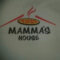 Foto tirada no(a) Mamma's Pizza por Mauricio M. em 7/10/2013