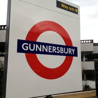 Photo taken at Gunnersbury London Underground and London Overground Station by Namer M. on 10/29/2012
