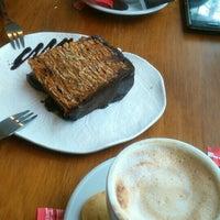 Photo taken at Café Marrón by Francisco B. on 1/25/2016