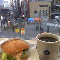 Photo taken at エクセルシオールカフェ 神戸三宮生田筋店 by Mustafa on 12/31/2012