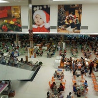 Foto tirada no(a) Shopping União por Bruno V. em 12/30/2012