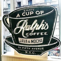 Foto tomada en Ralph's Coffee Shop por Morgan V. el 3/26/2015