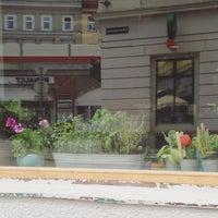 Das Foto wurde bei Cafe Menta von Hatem R. am 6/19/2016 aufgenommen