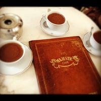 Foto tirada no(a) Majestic Café por Gisemm B. em 10/30/2012