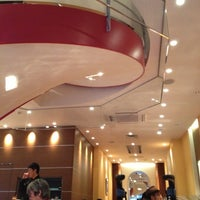 Photo taken at EXCELSIOR CAFFÉ 自由が丘マリクレール通り店 by Atsushi W. on 11/4/2012