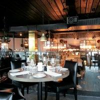 Das Foto wurde bei Louise Restaurant & Bar von Maria G. am 7/9/2013 aufgenommen
